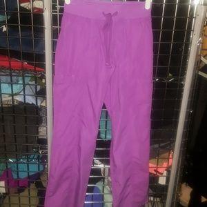Peaches cargo scrubs nwot purple Xs